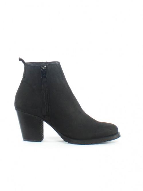 Nais boots 110 m. black