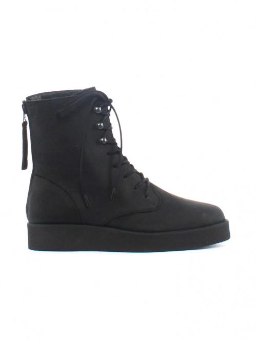 Namu boots black